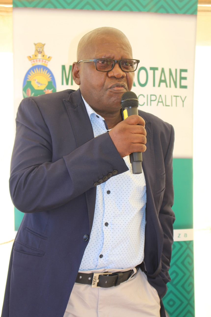 MKLM Mayor addressing people at RHR event in Mogwase Unit 8